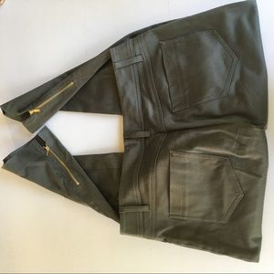 CACHE Size 4 Crop Ankle Army green pants
